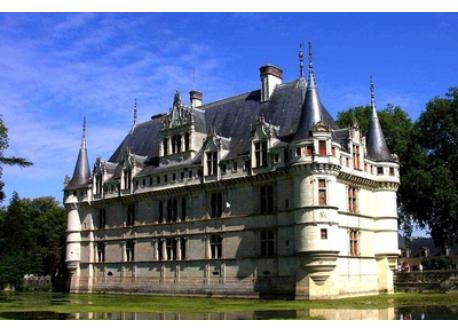 Le château d'Azay Le Rideau (25 km)