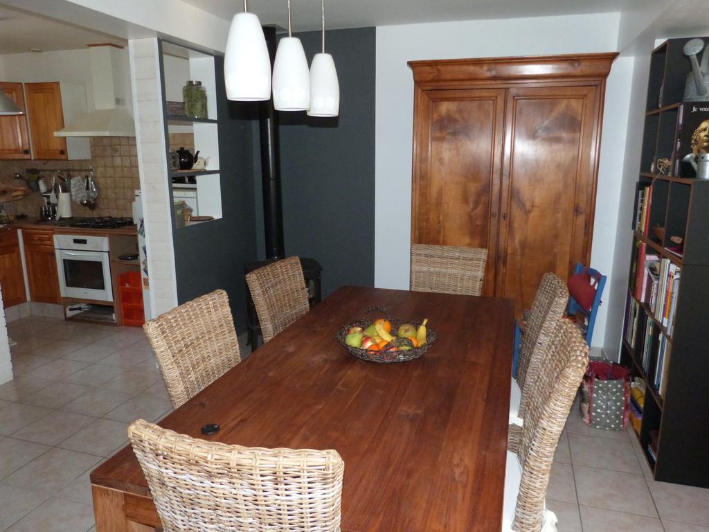 la salle à manger, dining-room