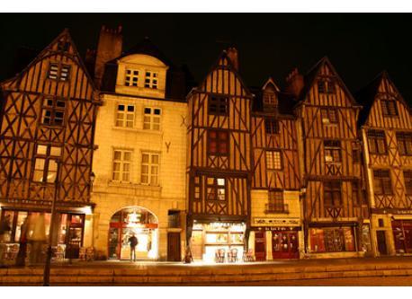 La Place Plumereau, Tours