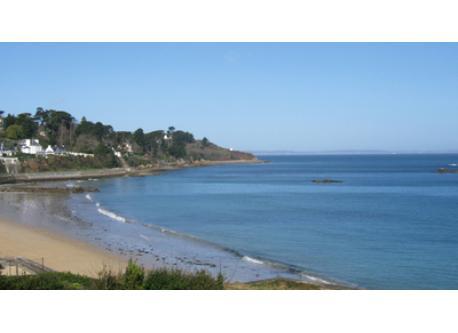 plage   située à 2km de la maison