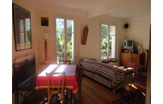 The living room (very sunny)