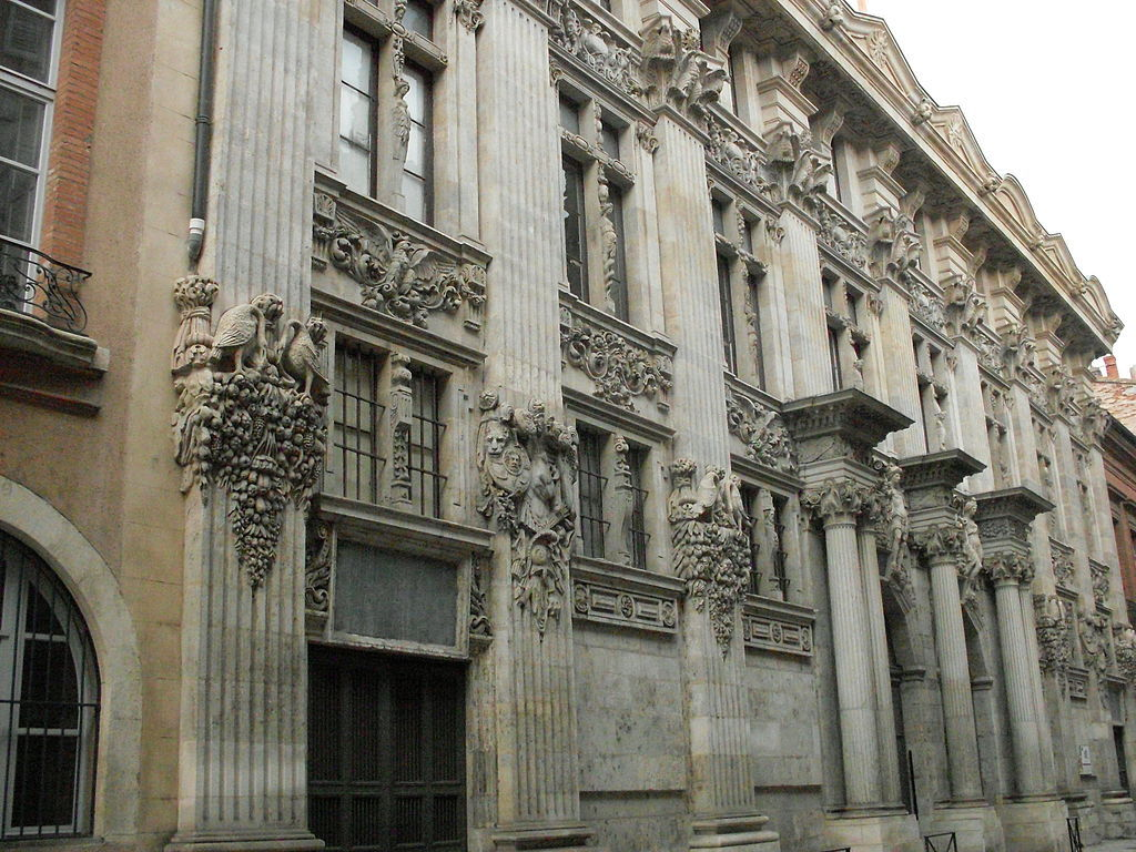 Hotel de Pierre (XVIIth century). 100 m from home.