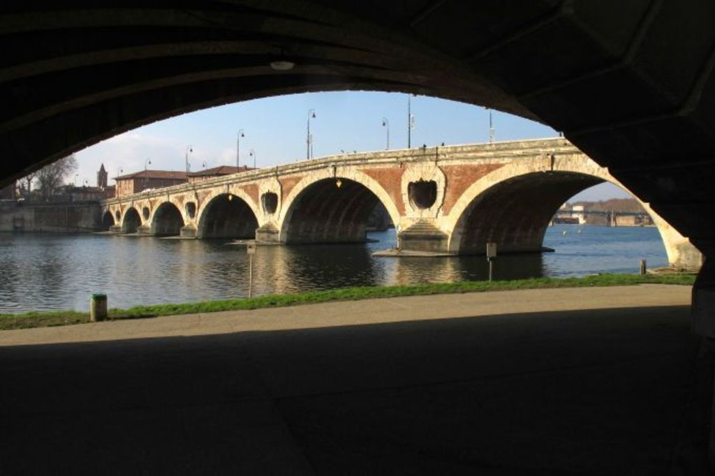 The Pont Neuf and the river walk : this is in front of our home.