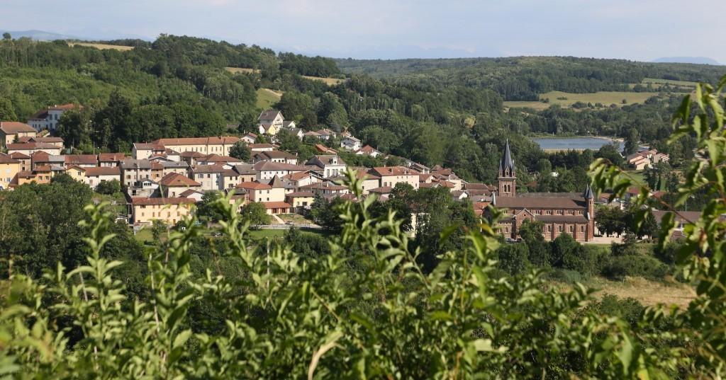 Roybon village
