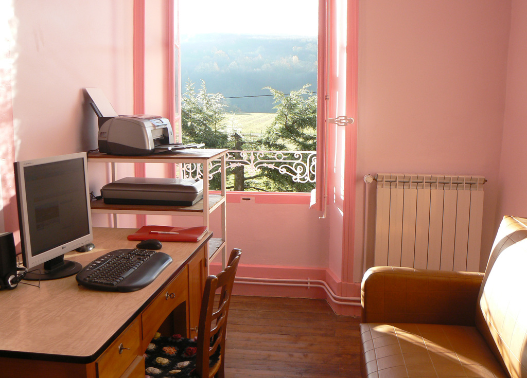 Guest suite with large desk