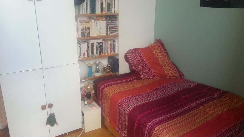 the 1st single bedroom