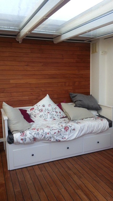 the veranda with  sofa bed for 2