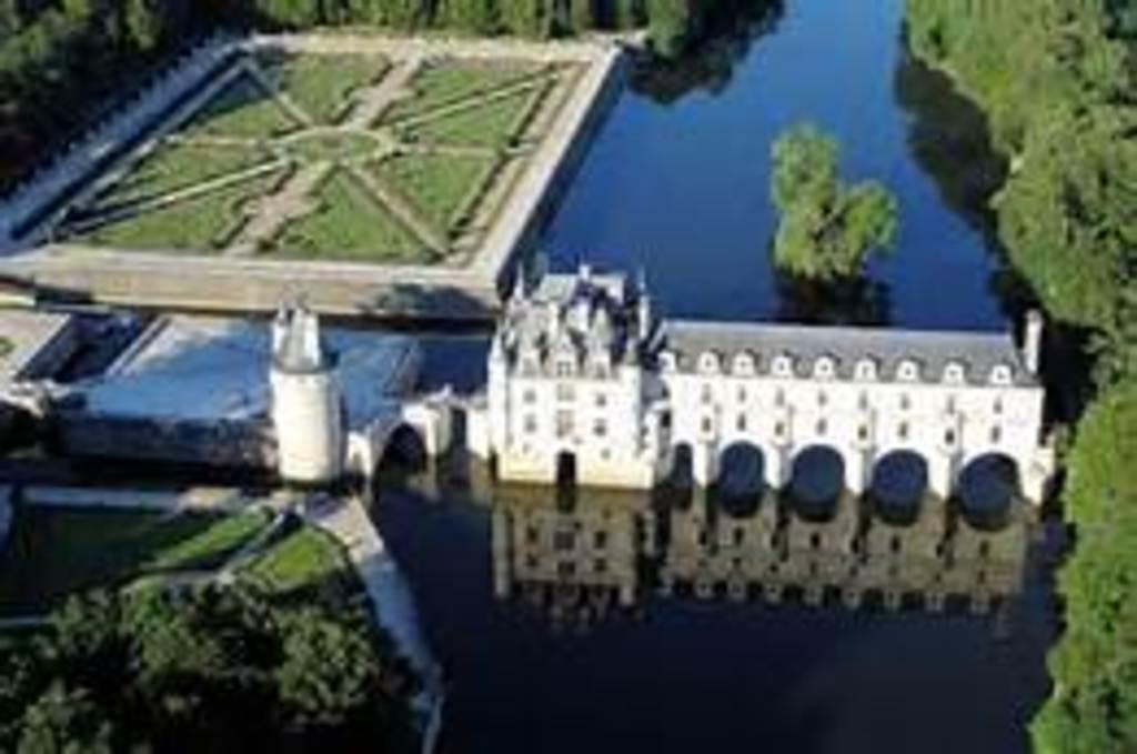 Chateaux de la Loire - Chenonceau - 2 hours drive