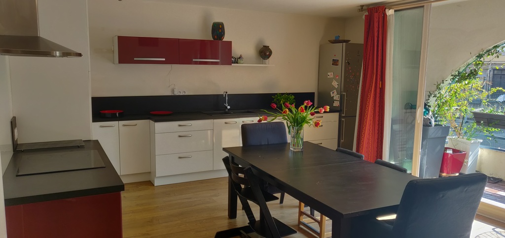 Kitchen dining room, table up to 14 people