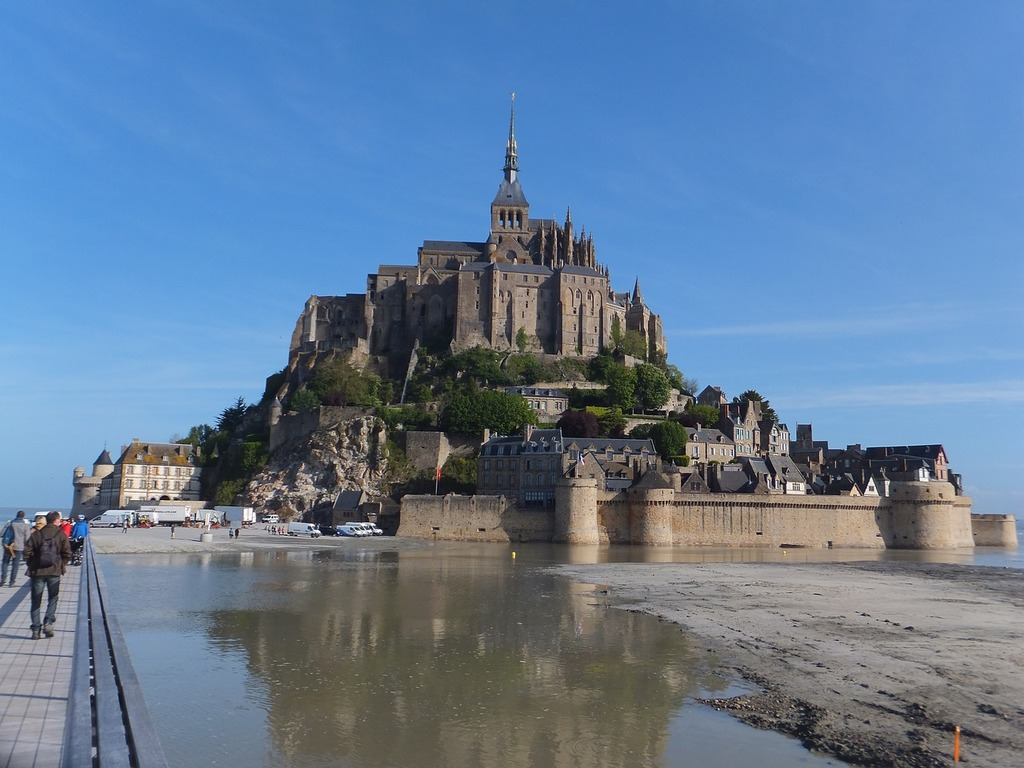Le Mont Saint Michel (One hour and a half from Saint Brieuc)