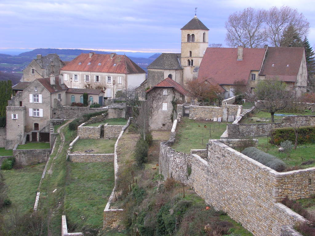 le village de CHATEAU CHALON