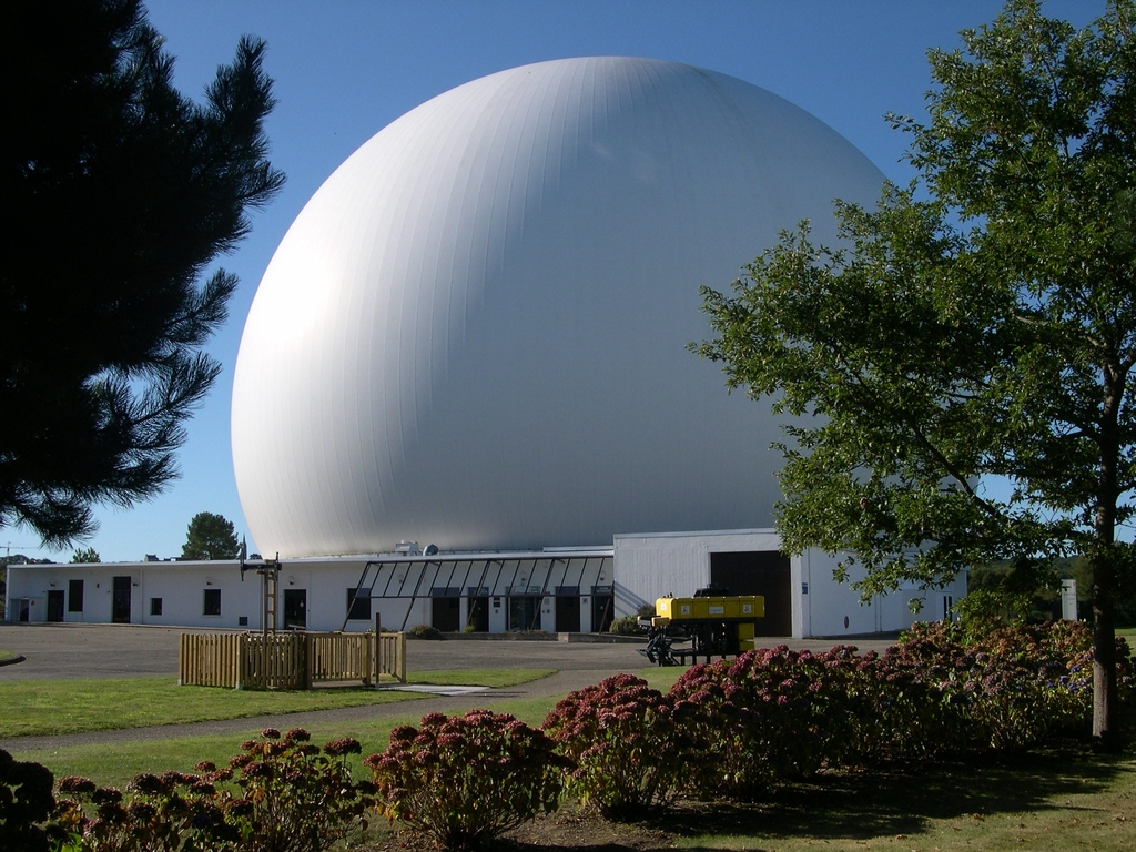 "the city of telecommunications with its ""radome"" and planetarium is 15 minutes far from Lannion"
