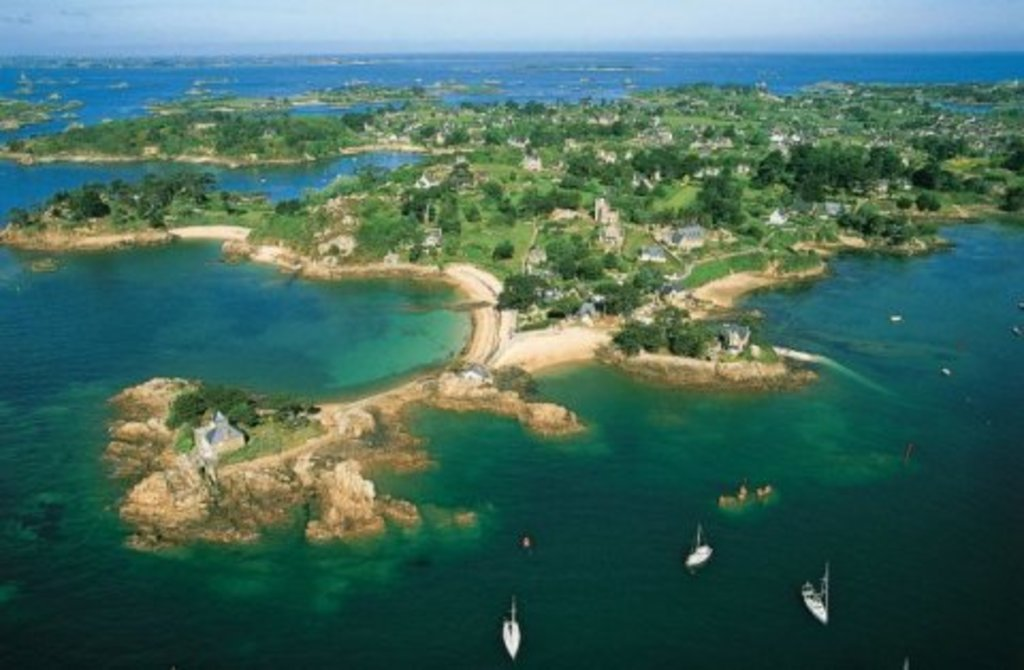 Spend a day on the island of « Bréhat » one of Brittany's loveliest islands.