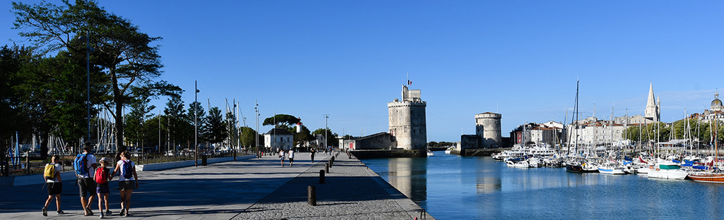 La Rochelle: terraces, restaurants, cafés and shops