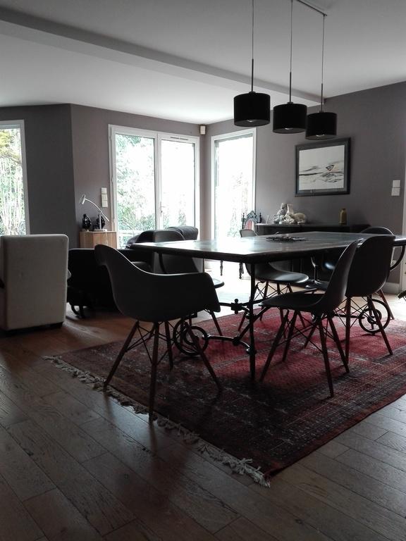 large living room, dining side