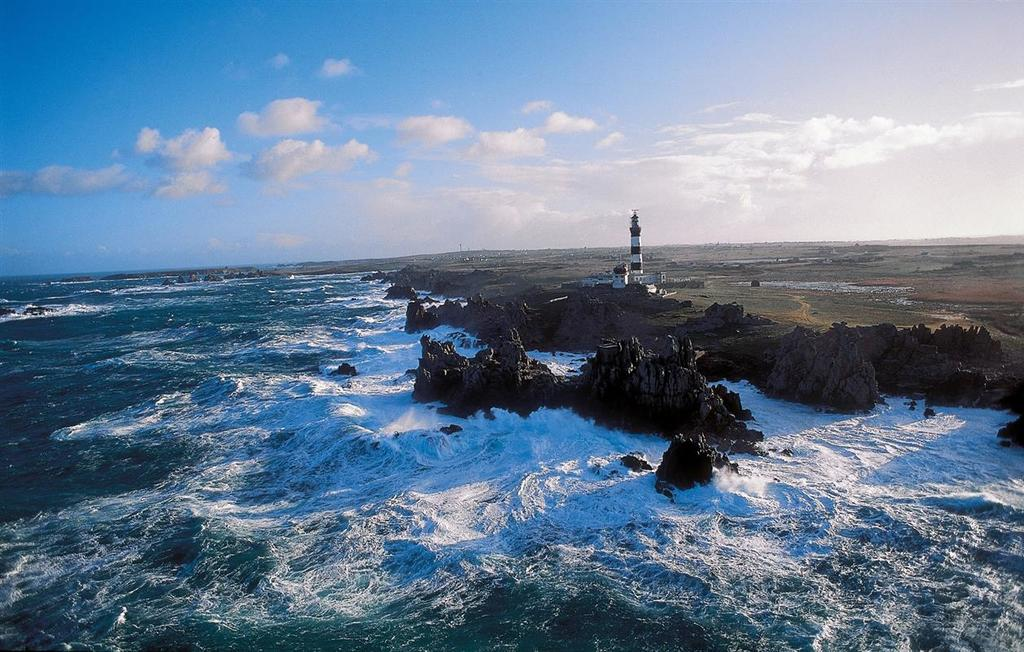 Ouessant island in the far western Europe (1h45 car + 30' boat)