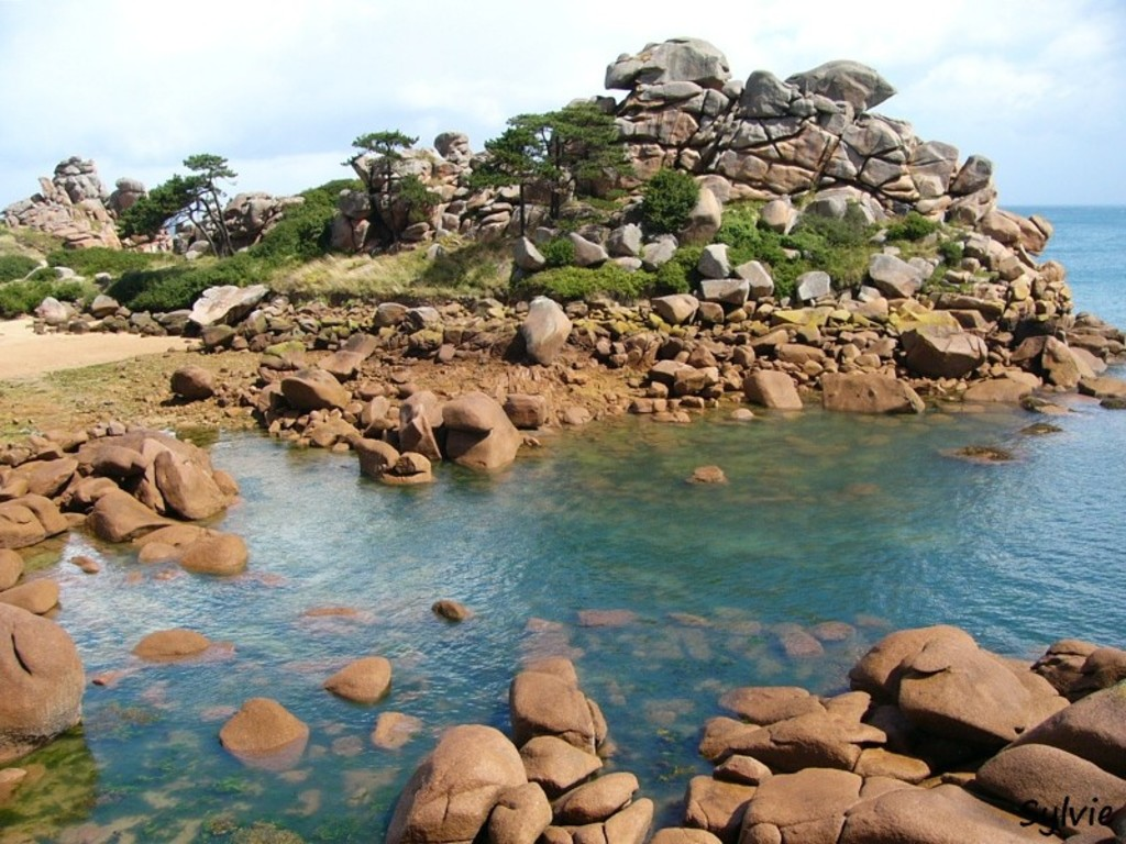 Cote de Granit Rose, western coast (1h)