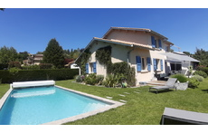 House / garden / swimming-pool