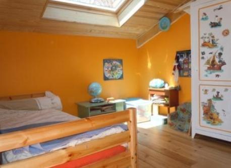 Tony's bedroom