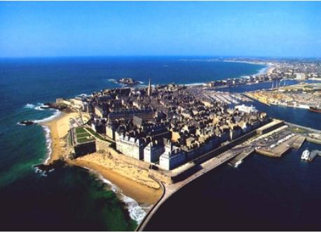 Saint-Malo (beach, harbour, town...)