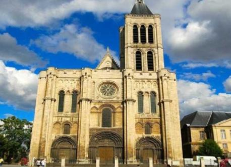 Basilique de Sant-Denis, near Paris - short bus ride