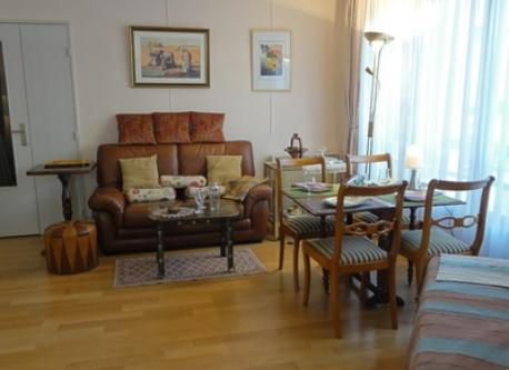 7*sofa corner and eating table