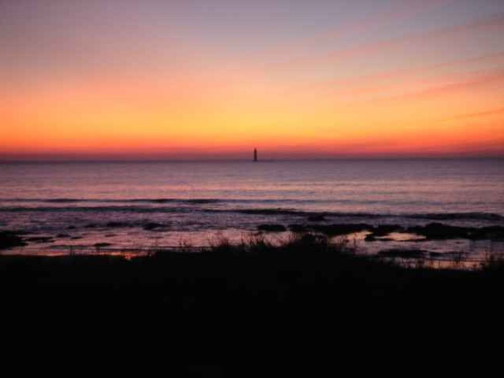 coucher de soleil à la plage de la Paracou