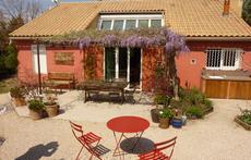 Home from garden - Maison depuis le jardin