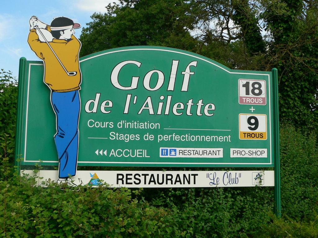 20 minutes from Chambry, golf 18 holes Ailette