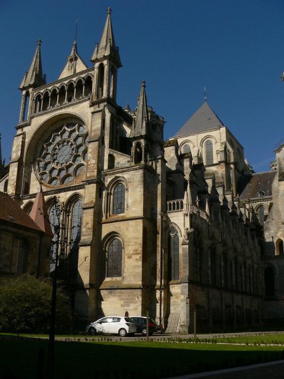 Cathédrale de Laon, vue du Palais de justice
