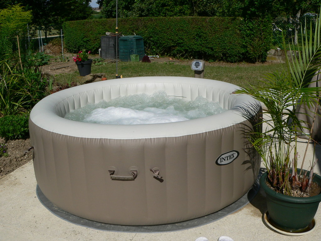 Spa jacuzzi can be used in the summer so we mounted it