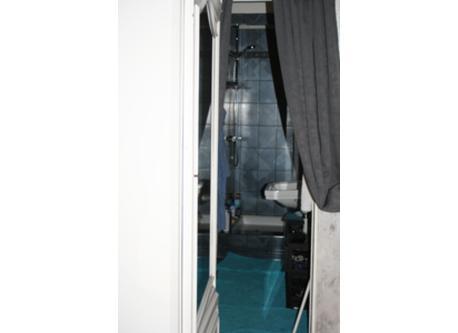 salle de bain de la chambre de Lise.