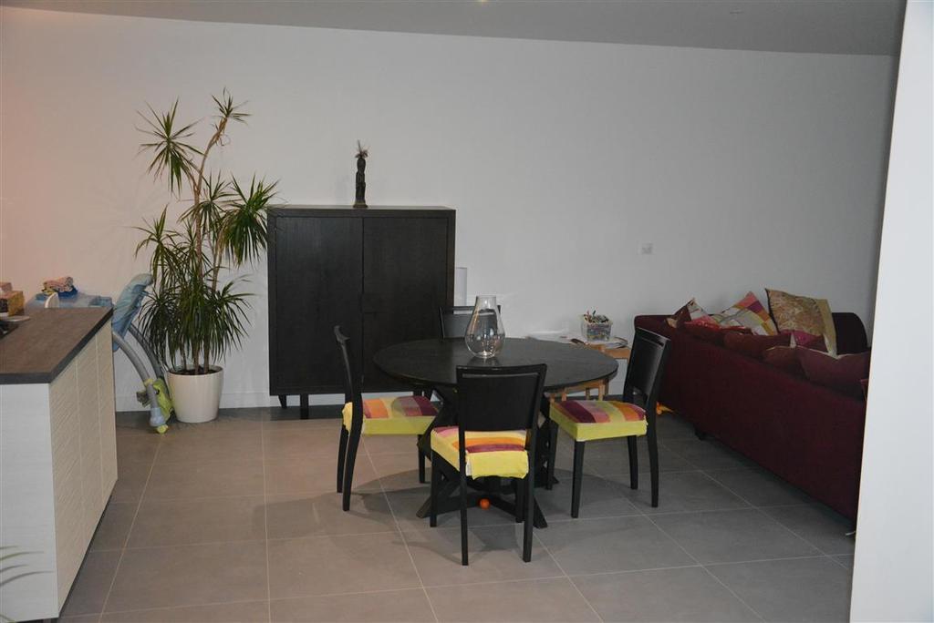 main room - dining corner