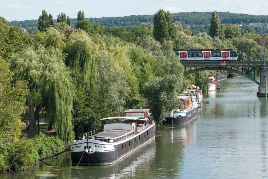 Seine river in Rueil Malmaison