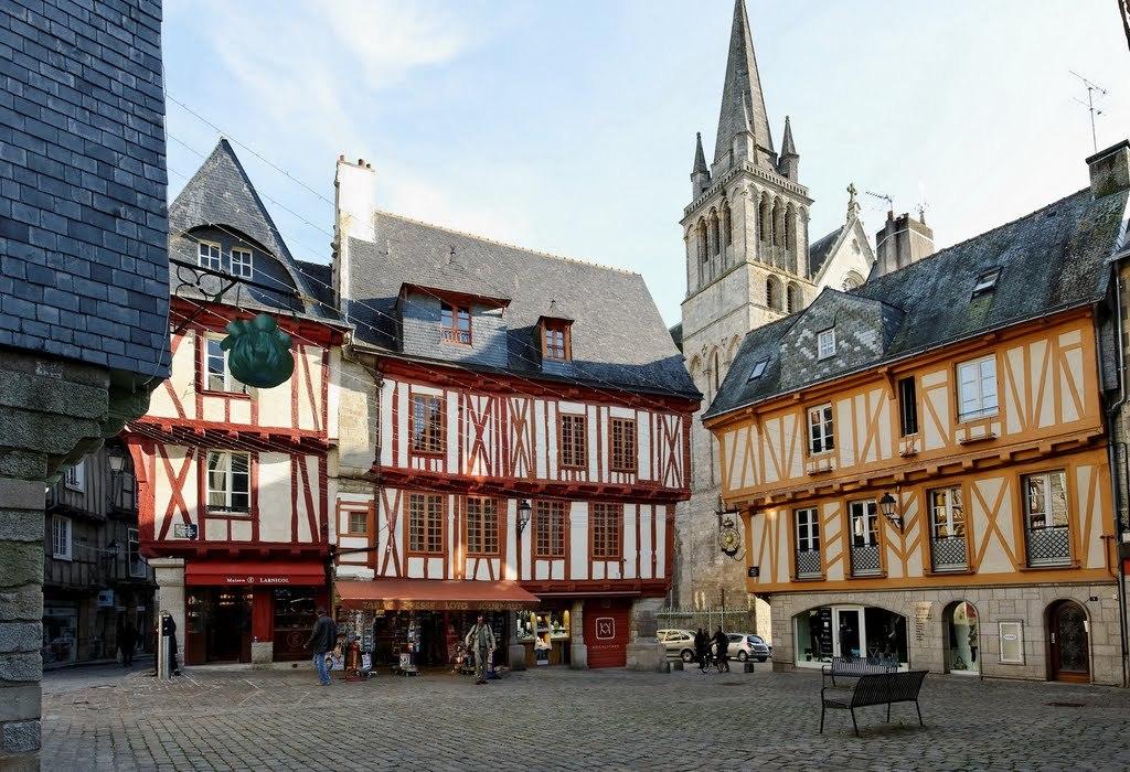 Vannes historical centre (20 min)