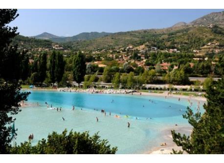 lake of Digne les bains