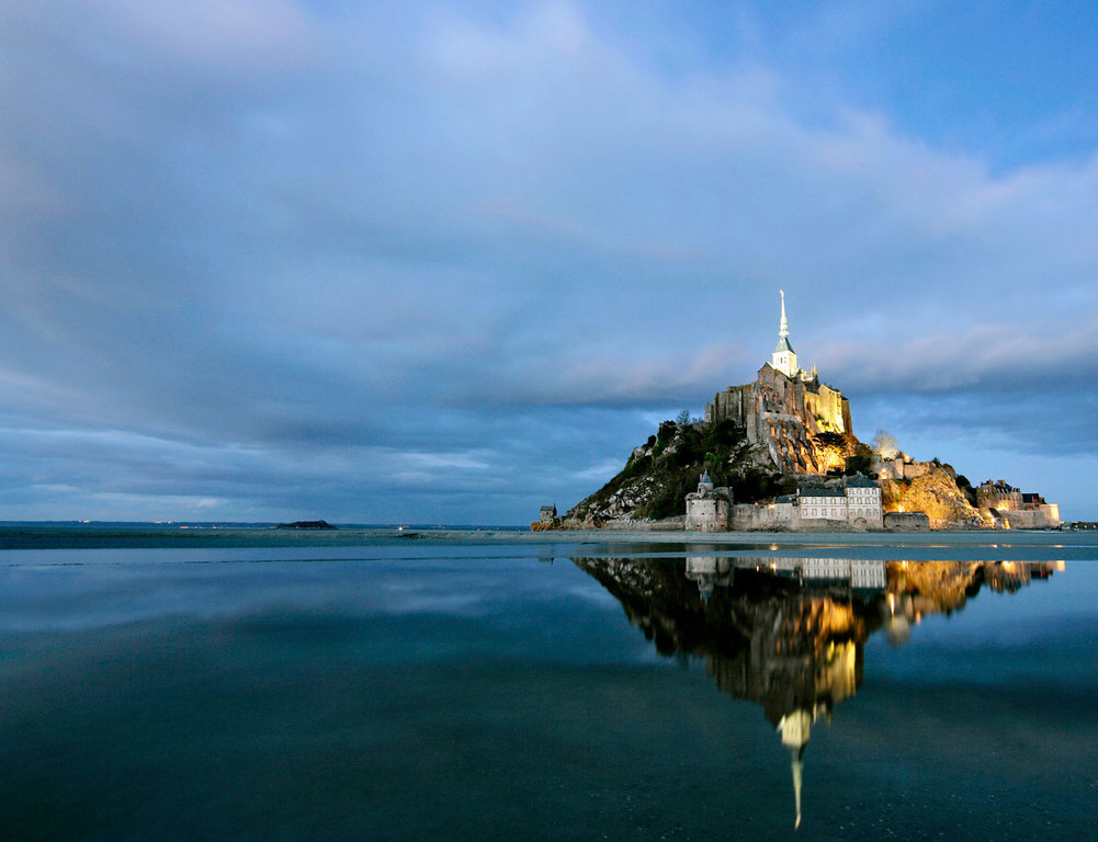 The Mont Saint-Michel, 2h35 by car from House