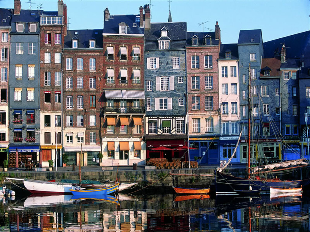 Visit Honfleur, 50 minutes from home by car