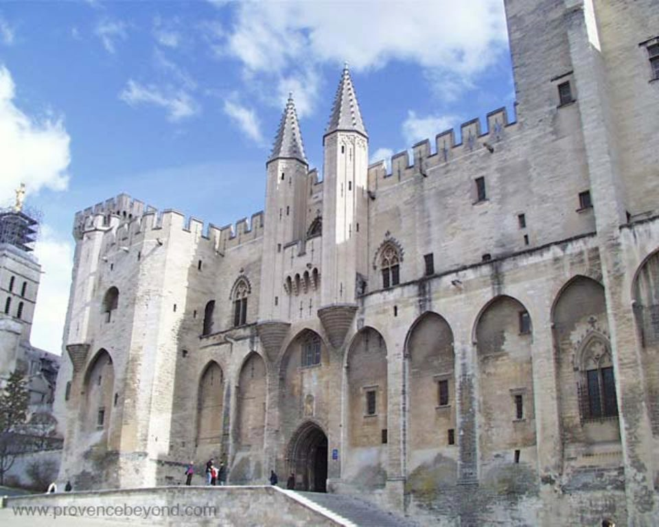 Avignon (25 km)