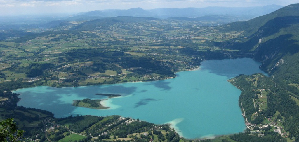 Lac d'Aiguebelette (15 minutes by car)