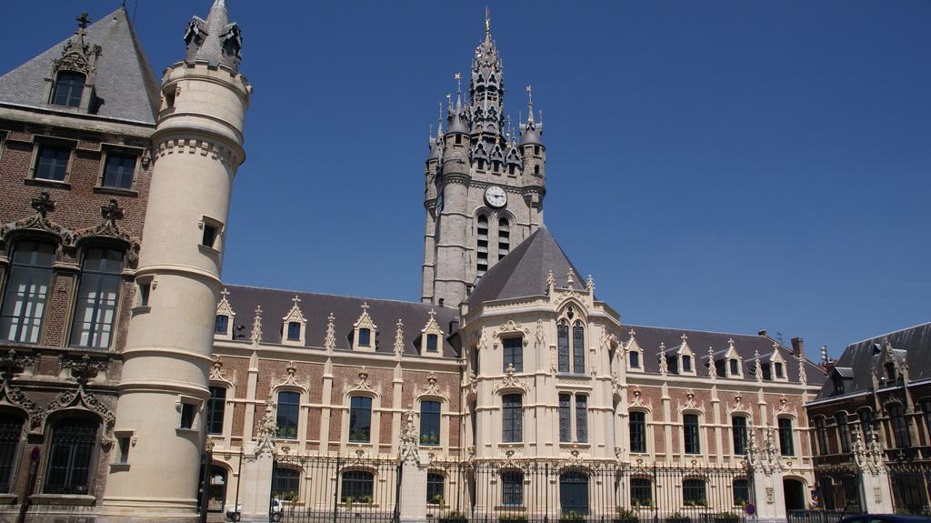 Beffroi de Douai ( ninth century)