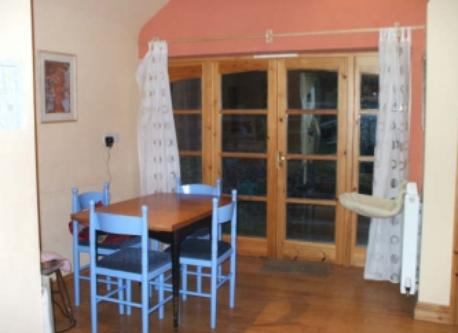 kitchen eating area, opening onto the garden