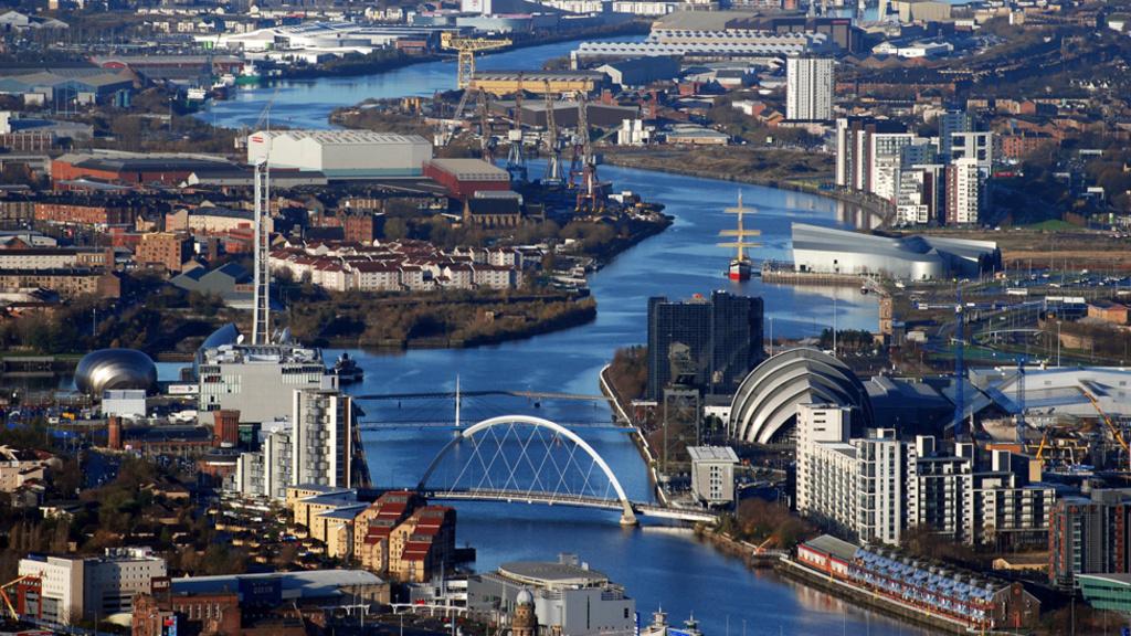 Glasgow (30 minutes by train)