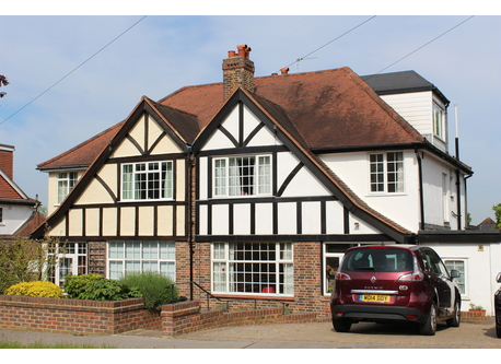 4 bedroom house on a quiet street in South Croydon