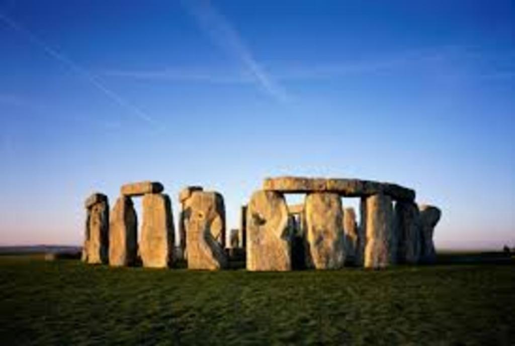 Stonehenge - 10 mins