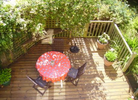 side garden terrace