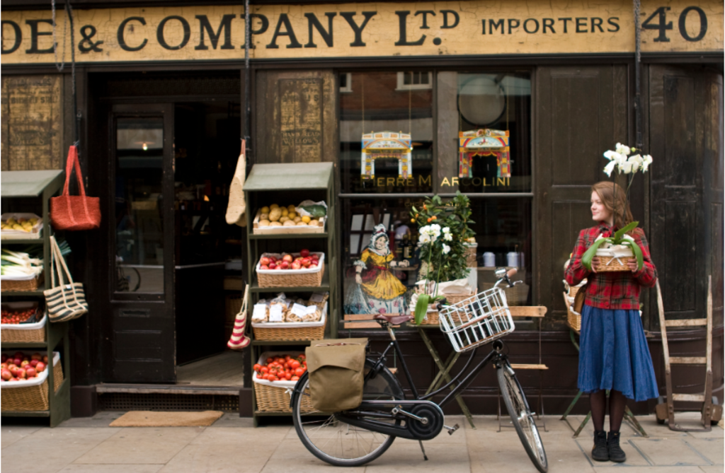 Discover the 18th century area of Spitalfields. Just up the road from us.