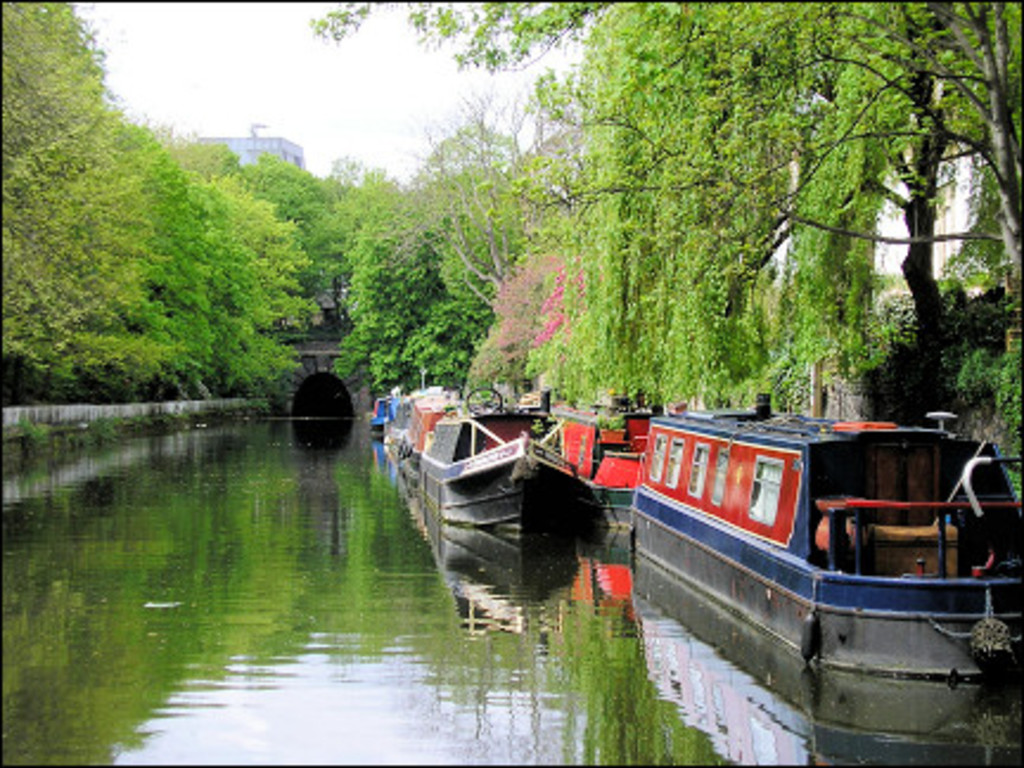 Another beautiful and interesting local walk along Regents Canal.