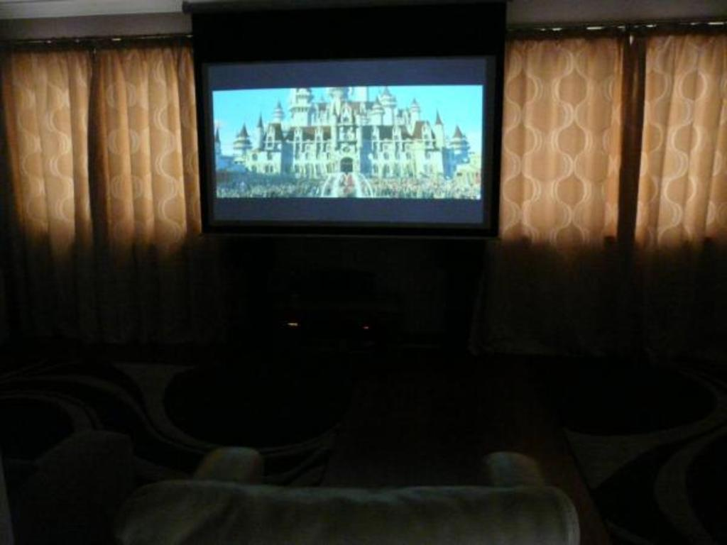 Family Room - Large screen