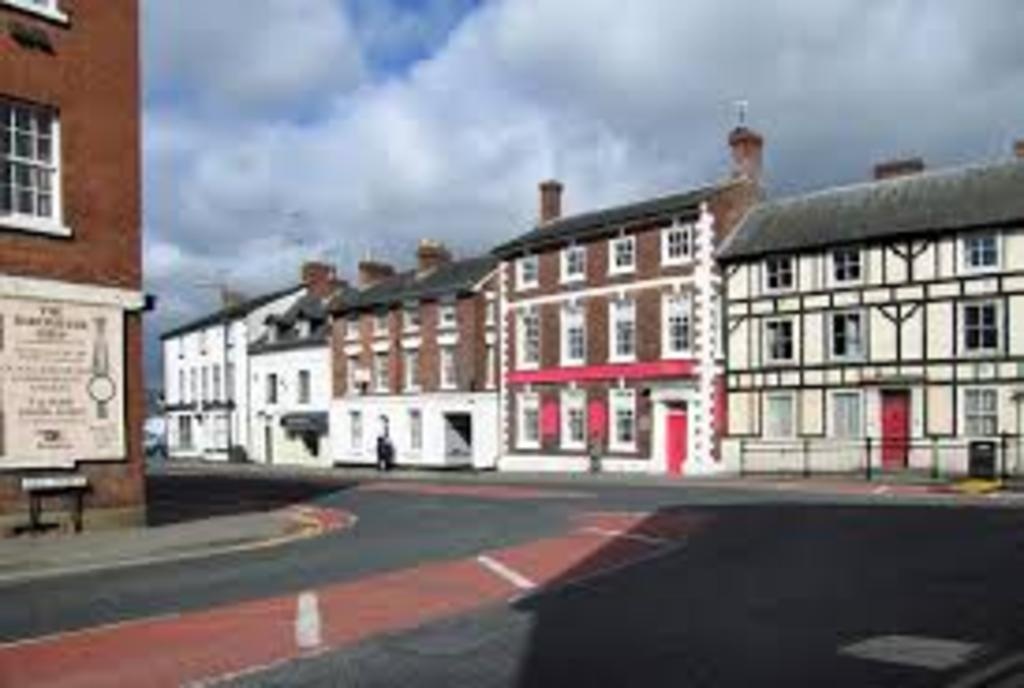 Leominster town